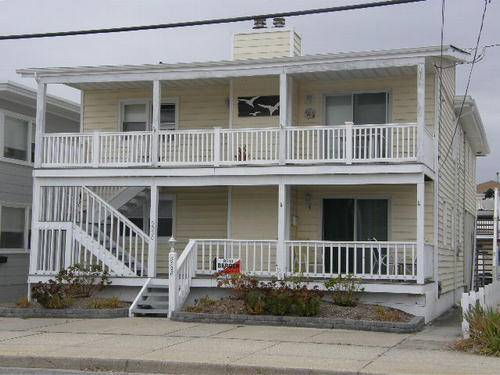Ocean City Steps to Beach - Clean and Inviting Family House - Sleeps up to 10