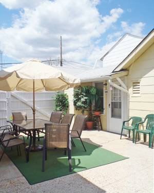 Seaside Heights 3 Bedroom Beach Cottage: Can Sleep Up to 8 People