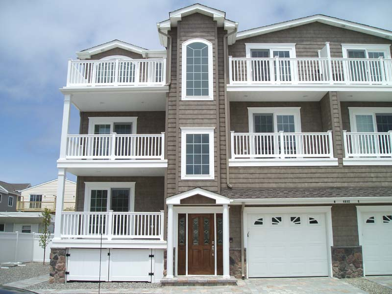Sea Isle City 6 Bedroom Luxury Home With an Elevator
