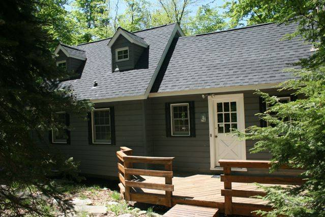 Claryville Summer Rental in Peaceful Catskills Woods, with Sunny Deck