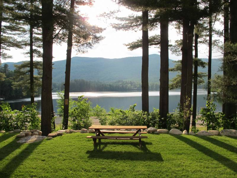 Lake Algonquin1800`s Farmhouse with Stunning Lake and Mountain Views